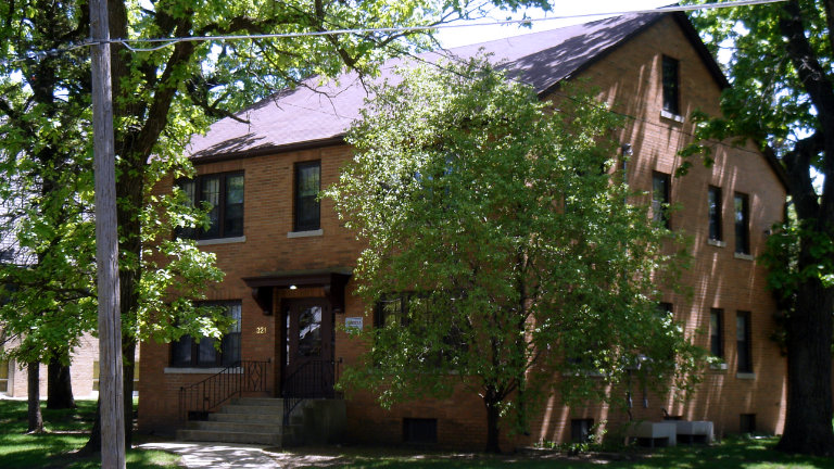 Image Result For Iowa Realty Building Apartments